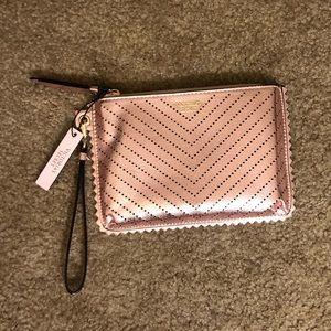 🎉FLASH SALE! Victoria's Secret Clutch Wristlet